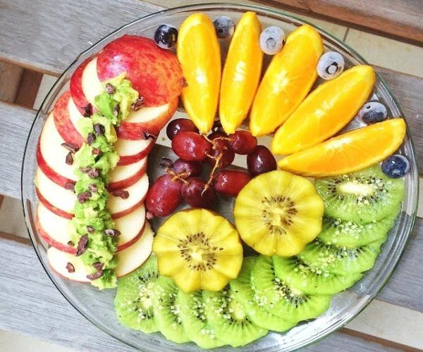 Một bữa ăn nhẹ bằng hoa quả buổi chiều giúp chăm sóc tốt hơn cho dạ dày