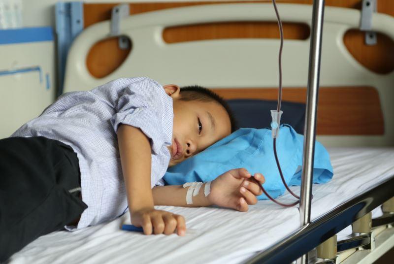 triệu chứng của bệnh viêm loét hành tá tràng ở trẻ em