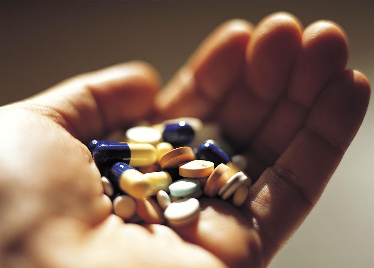 Đau dạ dày uống thuốc gì?