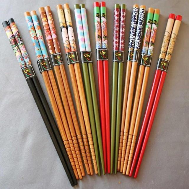 đũa ngũ sắc có thể gây ung thư do lớp sơn