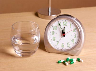 Tại sao cần tuân thủ đúng giờ khi dùng thuốc chữa bệnh đau dạ dày?