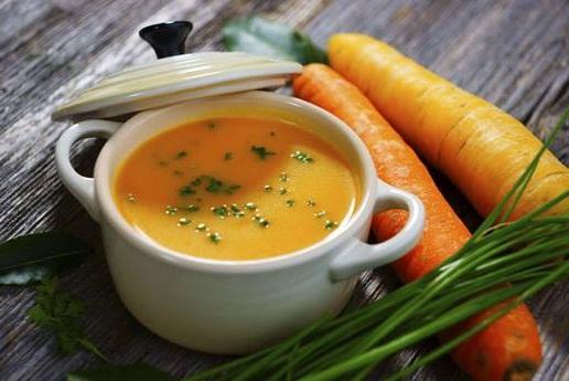 Súp là một món không thể thiếu trong bữa ăn sáng của người bị đau dạ dày