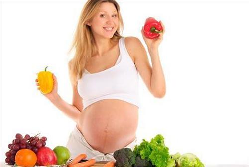 Cung cấp thực phẩm giàu vitamin cho bà bầu