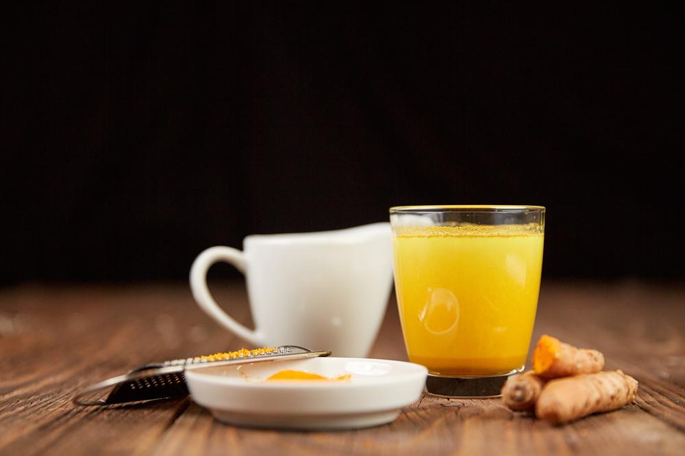 Cách sử dụng tinh bột nghệ tạo ra những thức uống bỗ dưỡng
