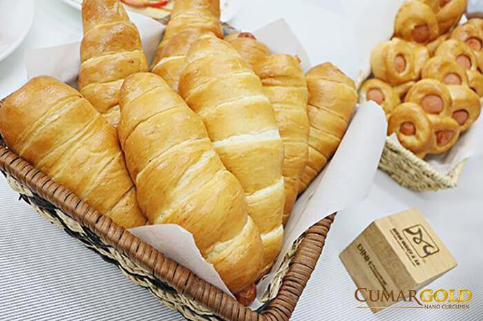 Bánh mì là một trong những thực phẩm giúp giảm acid dạ dày