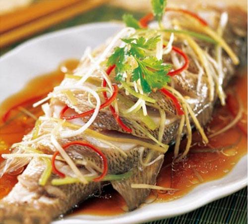 Các món ăn từ cá được nấu chín cung cấp nhiều dinh dưỡng cho người bệnh dạ dày tá tràng.