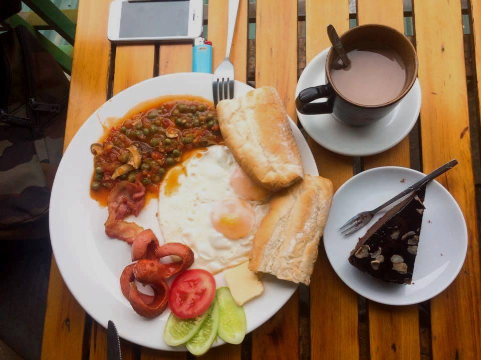 Người mắc đau dạ dày nên ăn sáng như thế nào?