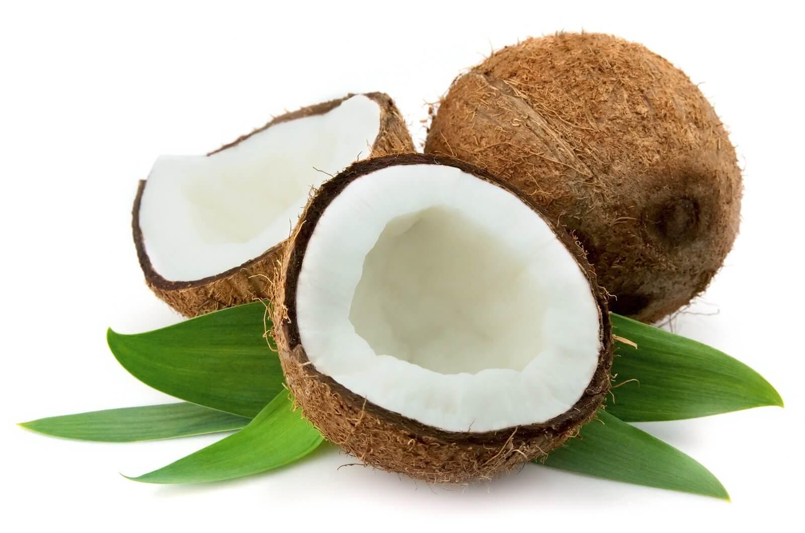 Bài thuốc trị đau dạ dày từ nước dừa và nghệ