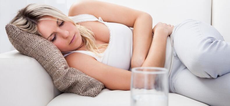 Đau bụng là triệu chứng điển hình của bệnh đau dạ dày mà bạn không thể bỏ qua.
