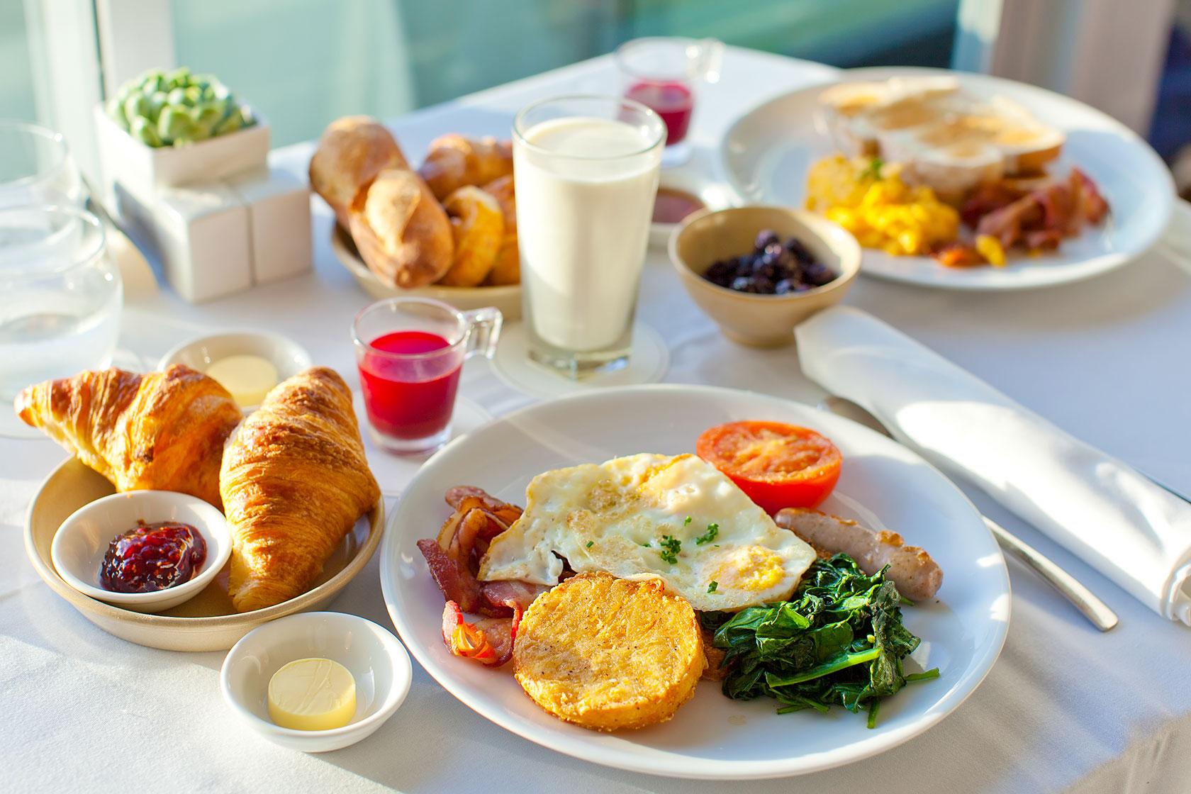 Bữa sáng là bữa ăn quan trọng với bệnh nhân đau dạ dày.