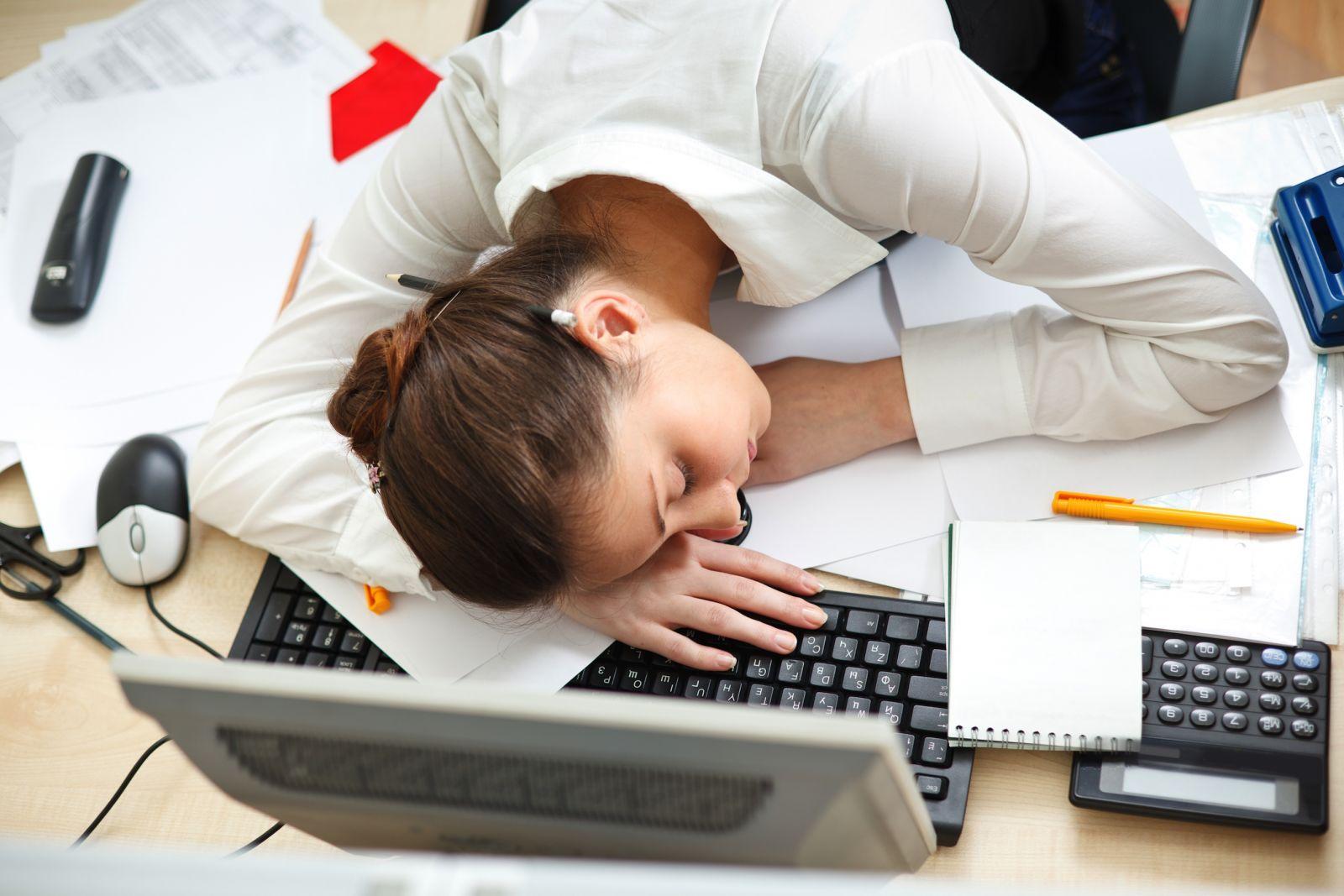 Bụng luôn cồn cào dẫn đến không thể tập trung học tập, làm việc