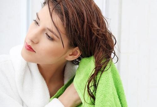 Bí quyết làm đẹp sau sinh cho tóc bằng nghệ
