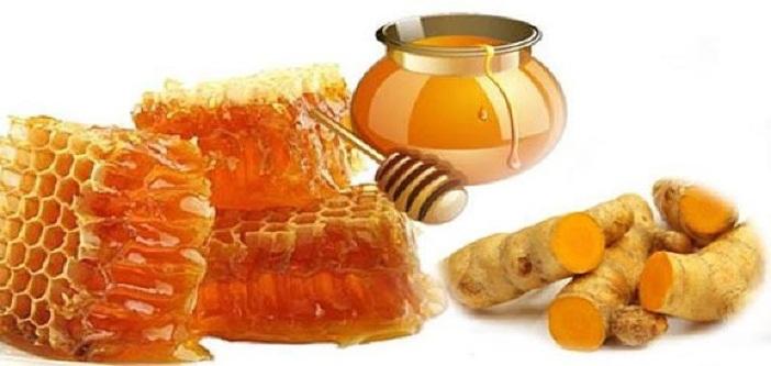 trị đau bao tử tại nhà với nghệ và mật ong