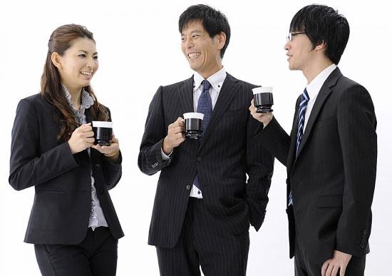 dân văn phòng uống cafe