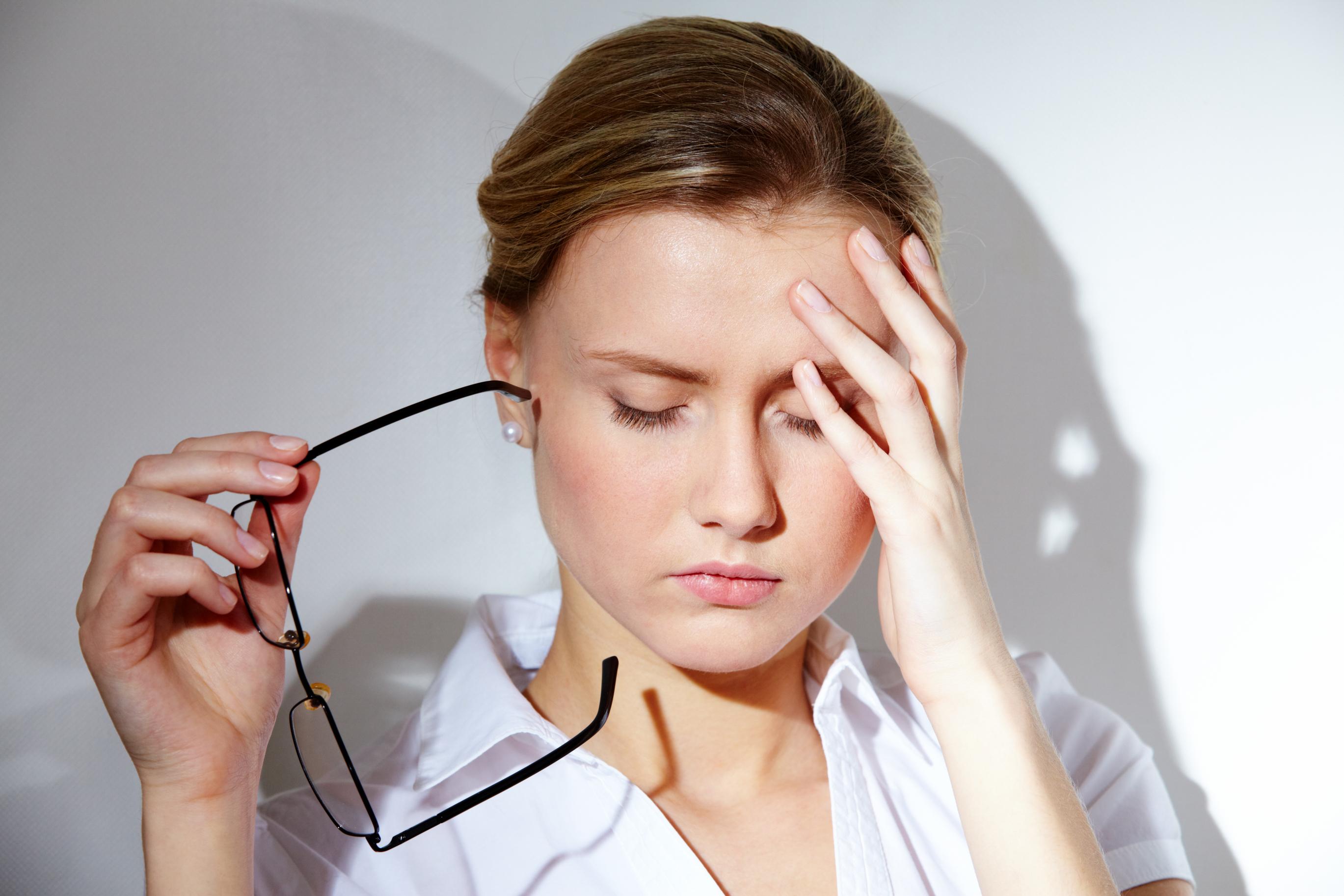 Căng thẳng cũng là một nguyên nhân dẫn tới đau dạ dày.