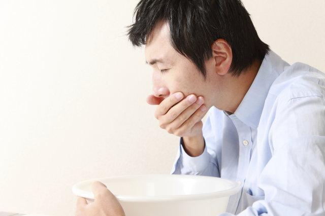 Buồn nôn là dấu hiệu của đau dạ dày