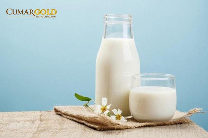 Đau dạ dày uống sữa tươi