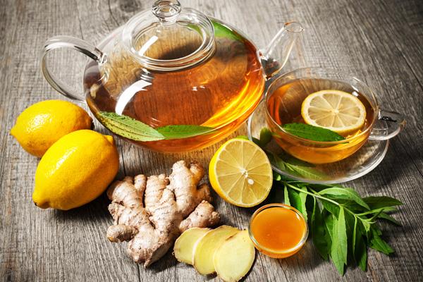 Trà gừng - mật ong - chanh là thức uống tốt cho người bệnh đau dạ dày.