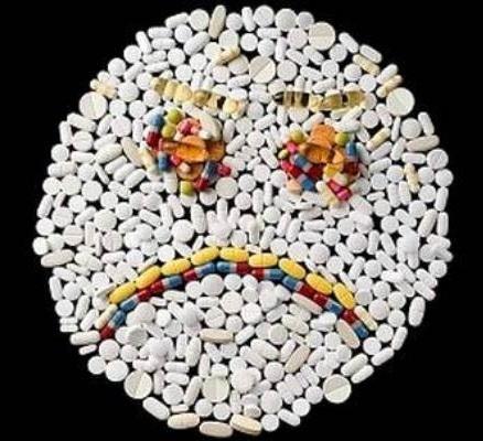bị viêm hành tá tràng không nên sử dụng thuốc kháng sinh, thuốc giảm đau quá liều