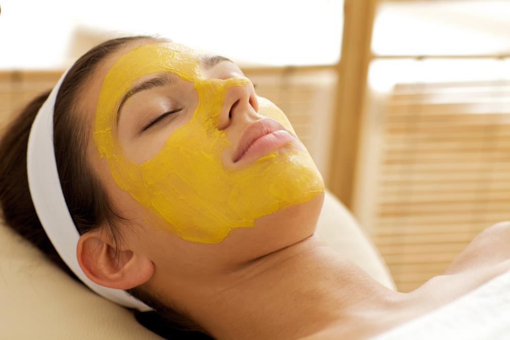 Cách chăm sóc da với tinh bột nghệ