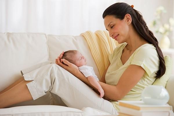Phụ nữ sau sinh cần ăn uống nhiều chất dinh dưỡng cân đối, hợp lý, cung cấp nhiều năng lượng