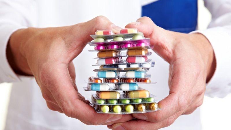 Dùng thuốc tây chữa đau dạ dày