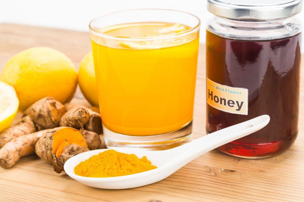 Tinh bột nghệ mật ong giúp bảo vệ cơ thể rất tốt