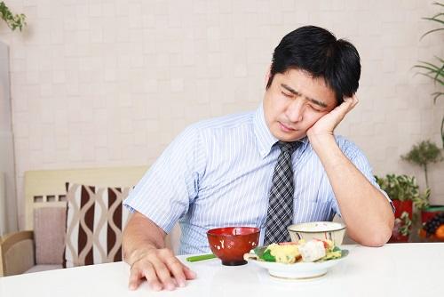 Ăn uống không điều độ cộng với áp lực từ công việc, những buổi gặp gỡ đối tác, rượu bia