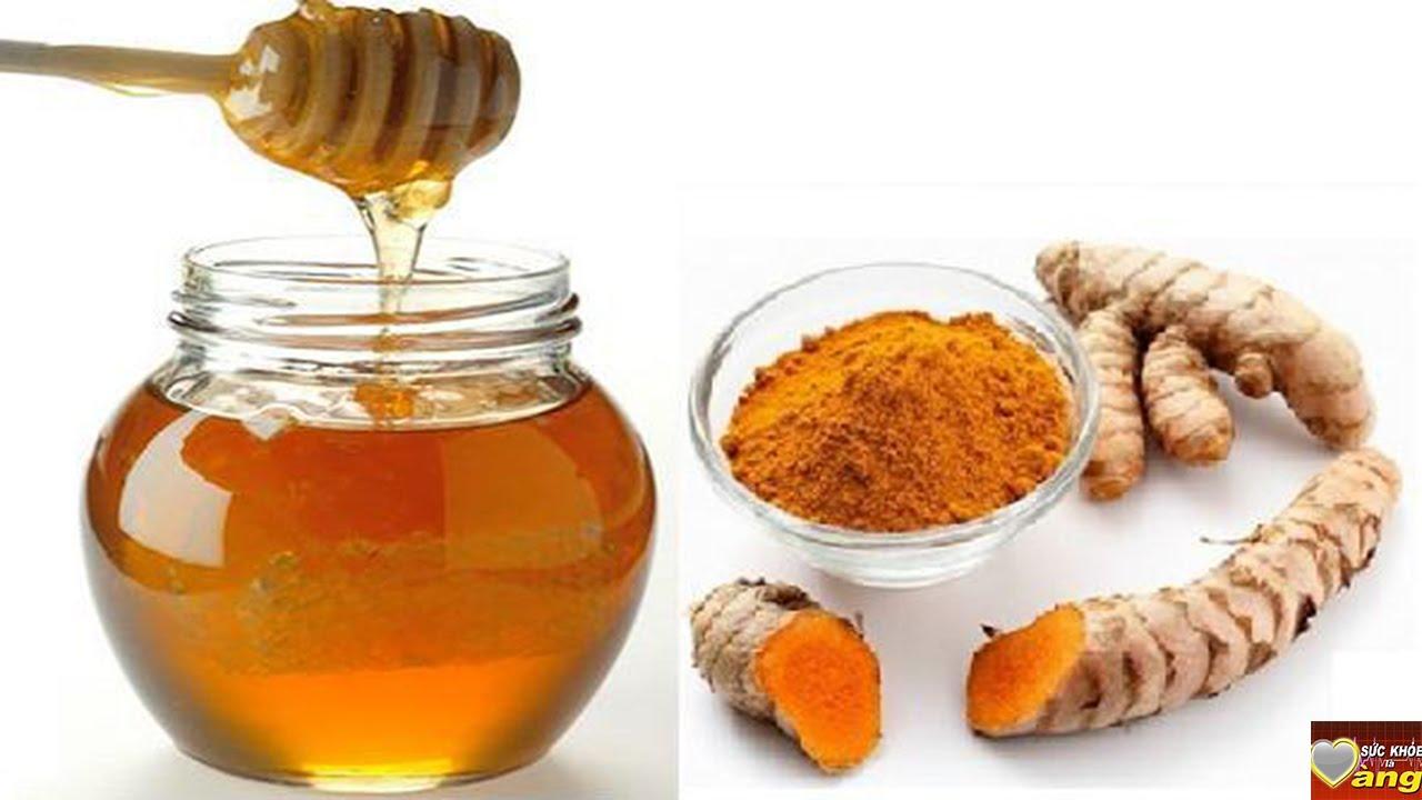 Một cốc nghệ với mật ong vào sáng sớm giúp bạn làm sạch dạ dày.