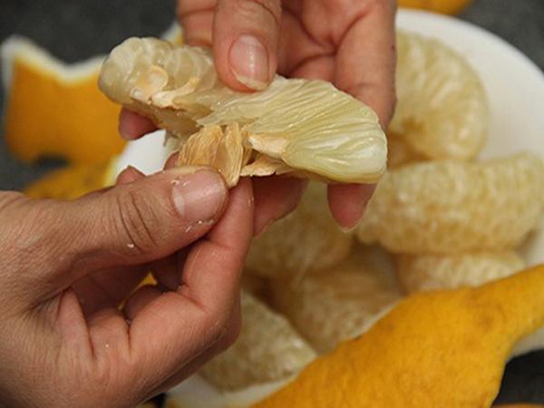 Dùng vỏ bưởi, hạt bưởi chữa viêm hành tá tràng