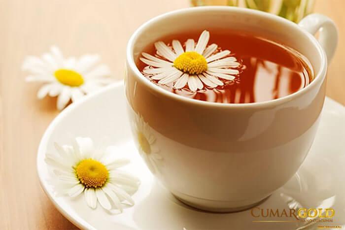 Trà hoa cúc nguyên chất rất tốt cho sức khỏe nói chung và tốt cho điều trị bệnh viêm phù nề hang vị nói riêng