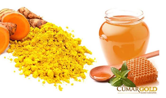 Uống mật ong và nghệ vàng