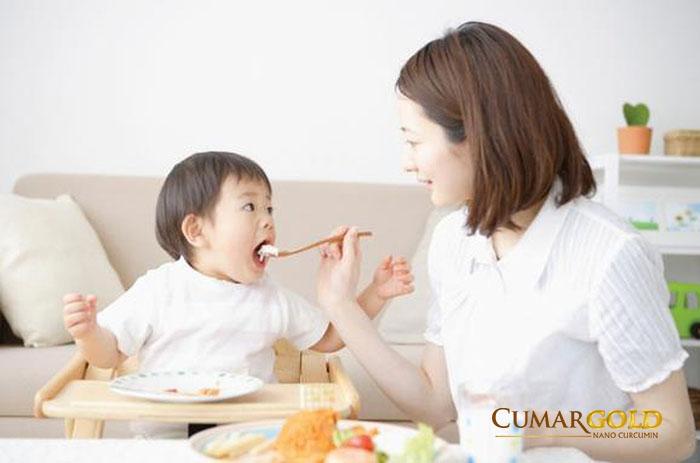 Do thói quen ăn uống và chăm sóc