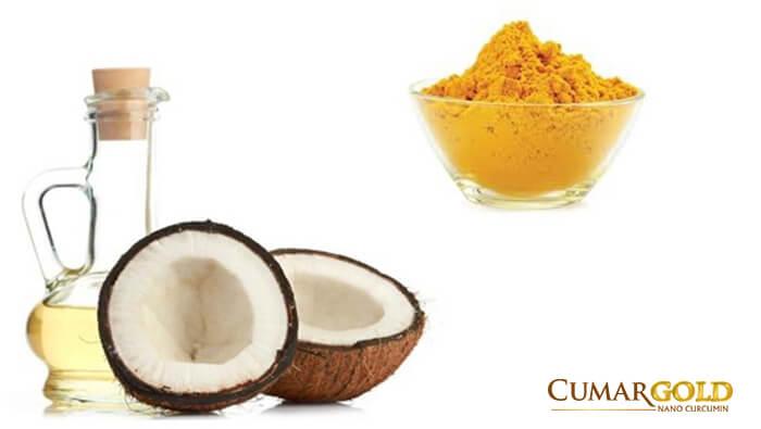 Tinh bột nghệ kết hợp với dầu dừa
