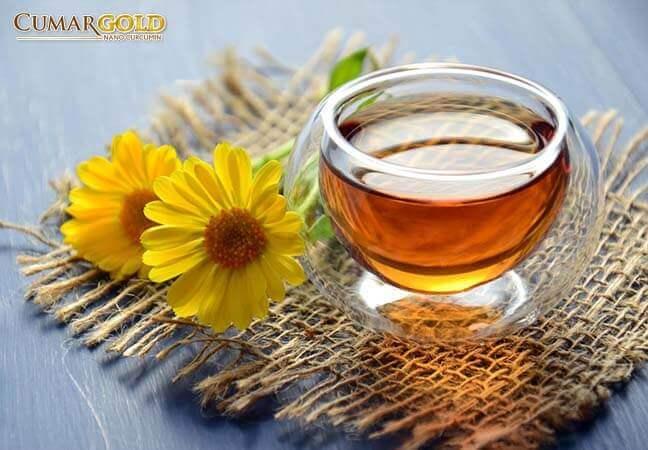 Trà hoa cúc giúp giảm nhanh cơn đau dạ dày