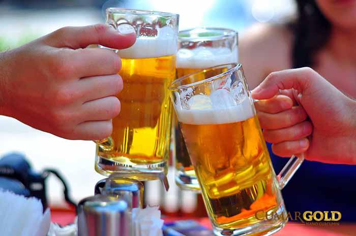 Bia rượu- một trong những nguyên nhân gây nên đau hạng vị