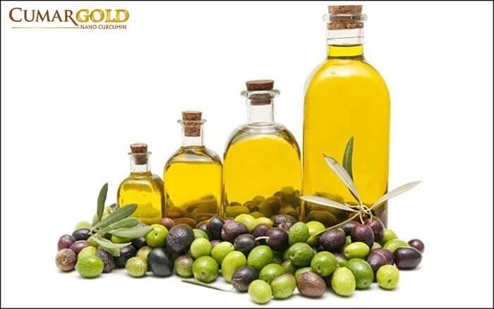 Dầu oliu có chứa nhiều chất béo tốt cho sức khỏe, giúp củng cố sức khỏe của cơ thể nói chung và dạ dày nói riêng