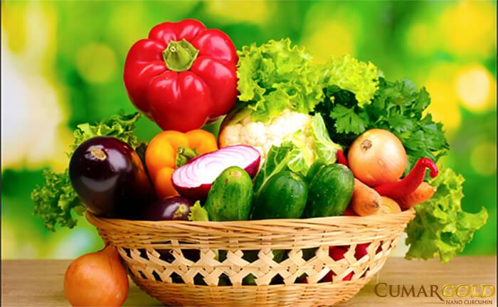 Táo, trà xanh, ớt chuông, anh đào là các thực phẩm chứa nhiều flavonoid có khả năng ngăn ngừa và cải thiện tình trạng hang vị dạ dày