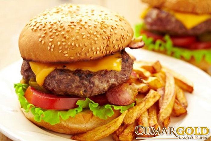 Đồ ăn nhanh khiến dạ dày làm việc quá sức