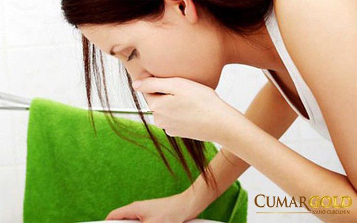 Buồn nôn là một trong những triệu chứng của bệnh