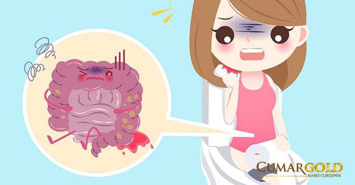 Đi ngoài ra máu do đau dạ dày có mùi hôi khó chịu
