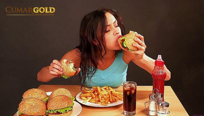 Thỏi quen ăn uống không tốt dẫn đến việc bị đau dạ dày dài ngày