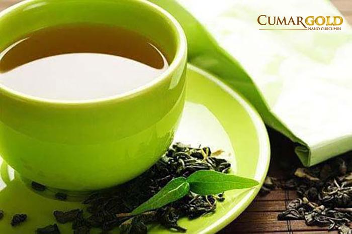 Tránh uống trà đặc