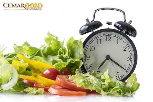 Chế độ ăn uống và sinh hoạt hợp lý giúp hỗ trợ điều trị viêm dạ dày