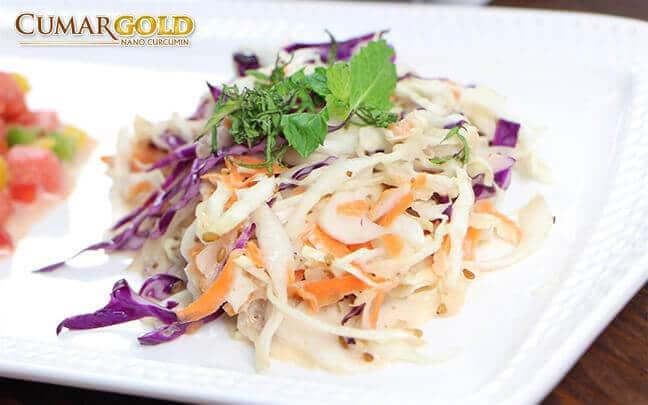 Salad bắp cải tốt cho người bị đau dạ dày