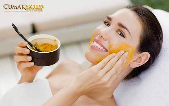 tinh bột nghệ hỗ trợ trị mụn, loại bỏ tế bào chết, dưỡng ẩm, sáng da, chống lão hóa,...
